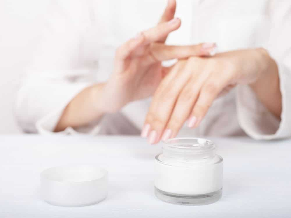 Tips for Preventing Nail Breakage at Work