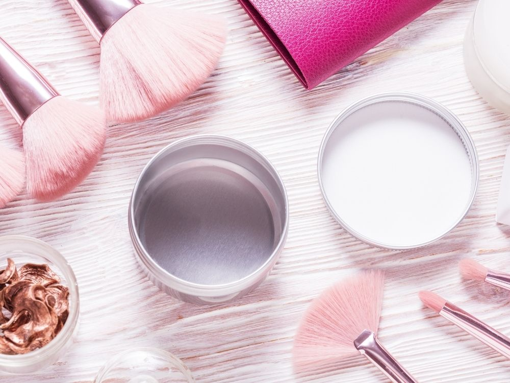 Why You Should Use Aluminum Cosmetic Containers