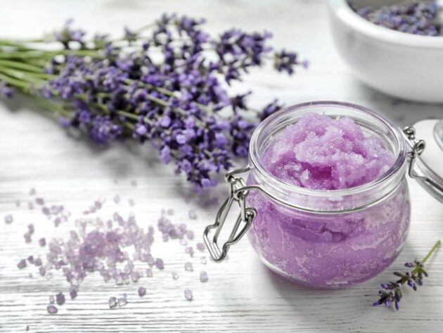 How To Make Your Own Lavender Mint Oatmeal Facial Scrub